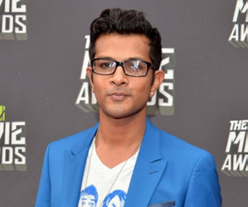 Utkarsh Ambudkar as Max Vora