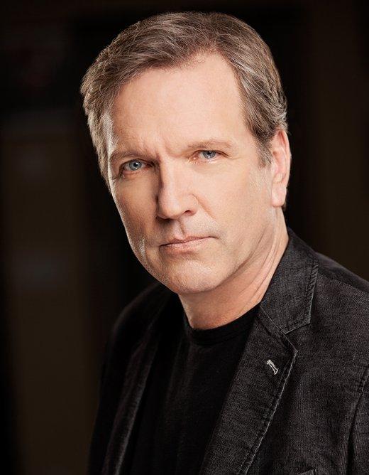 Martin Donovan as Fay